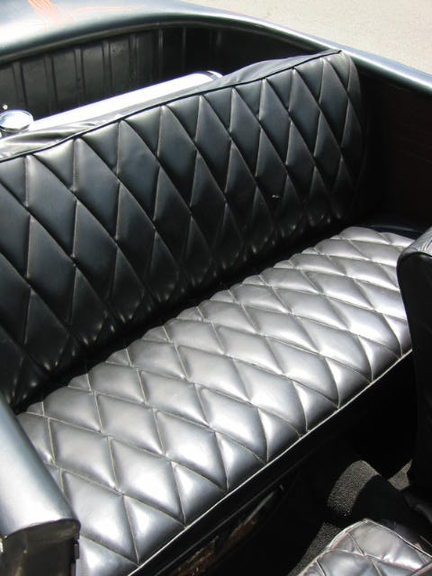 rear seat also in puffy tuck and roll diamond pattern design. Black Bedroom Furniture Sets. Home Design Ideas