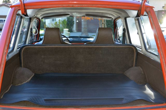 Nice rear rubber mat and well fit custom carpet.